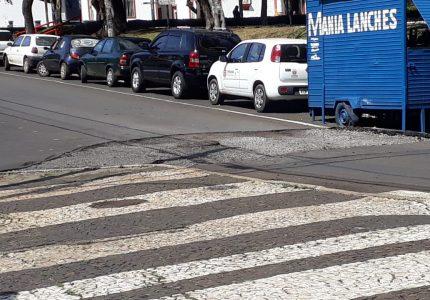 Lombadas irregulares são removidas das ruas de Guarapuava