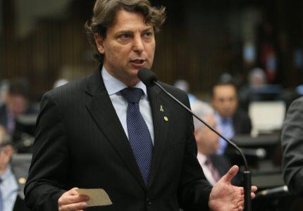 Assembleia derruba veto e autistas terão placas indicativas em estacionamentos