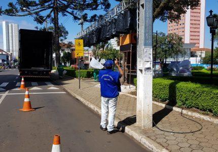 Crea-PR fiscaliza estruturas montadas para a Praça Encantada do Natal