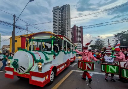 2ª Parada de Natal da Acig reúne mais de cinco mil pessoas