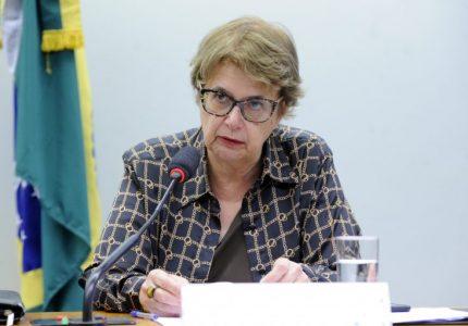 Projeto susta decreto do ministro da Educação sobre concursos para professores em universidades
