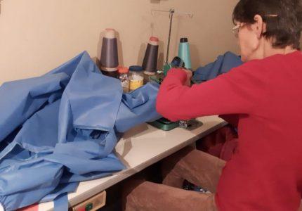 Costureiras voluntárias produzem aventais para os profissionais da saúde de Guarapuava