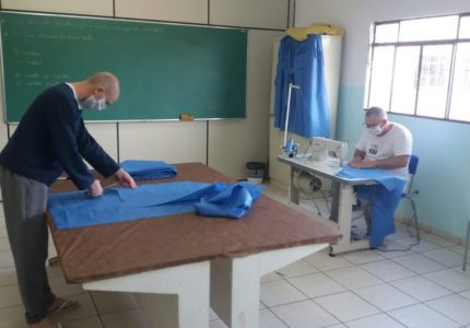 Internos da PEG produzem materiais para profissionais da saúde de Guarapuava