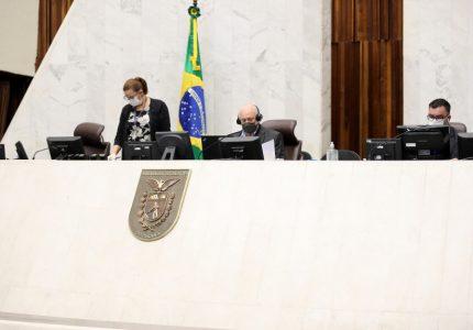 Segue para sanção projeto que autoriza o funcionamento de até 200 Colégios Cívico-Militares no Paraná