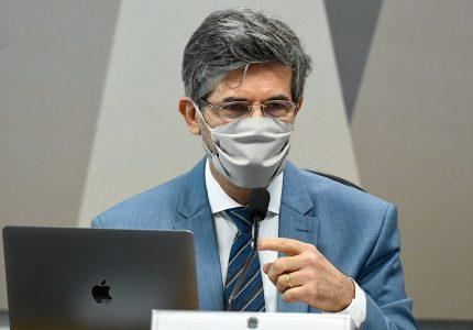 Teich diz que deixou cargo por falta de autonomia e por não aceitar cloroquina