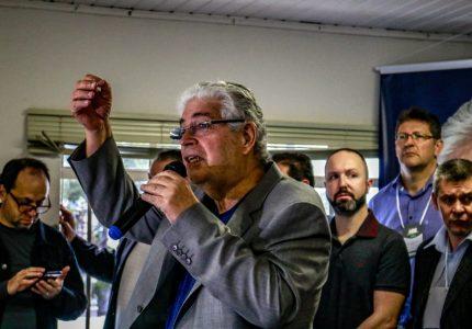 """""""Estou disputando a presidência do MDB não apenas para reconstruir o partido, mas para ser candidato a governador"""", diz Requião"""