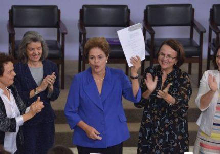 """""""Lei do Feminicídio foi uma conquista para as mulheres"""", disse Gleisi Hoffmann"""