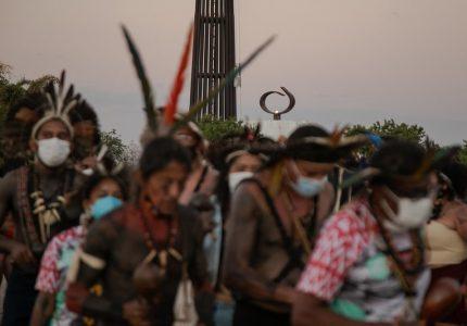 """""""Precisamos demarcar e reconhecer que os povos indígenas são os verdadeiros donos das terras do BR"""", defende João Daniel"""