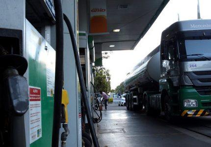 Preço dos combustíveis: governadores pedem o fim da dolarização
